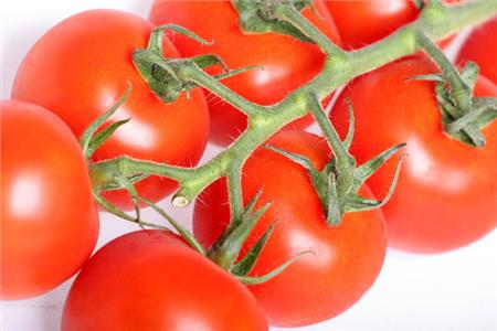 Reduce your waist line with tomatoes